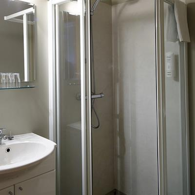 Twin / Double room - Bathroom
